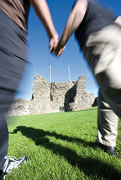 CRICCIETH couple walking.jpg