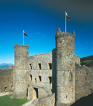 Harlech castle with welsh flags.jpg